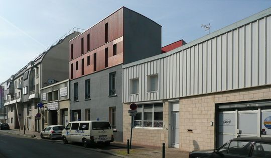 Surelevation d 39 une maison de ville suresnes lca laurent for Vert urbain maison de ville