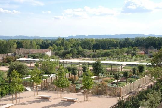 Am nagement du jardin romain du clos des serres caumont for Agence format paysage