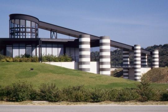 l 39 aire d 39 aubignosc sur l 39 autoroute a51 aubignosc marc givry architecte realisation. Black Bedroom Furniture Sets. Home Design Ideas